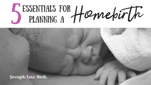 Planning a homebirth? You need to make sure you have all these things lined up! From a good midwife to a list of books, these are essentials for giving birth at home.